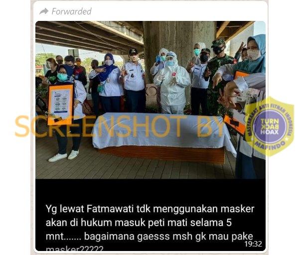 Tangkapan layar WhatsUpp terkait hukuman masuk peti bagi pelanggar penggunaan masker. (Foto: MP/turnbackhoax.id)